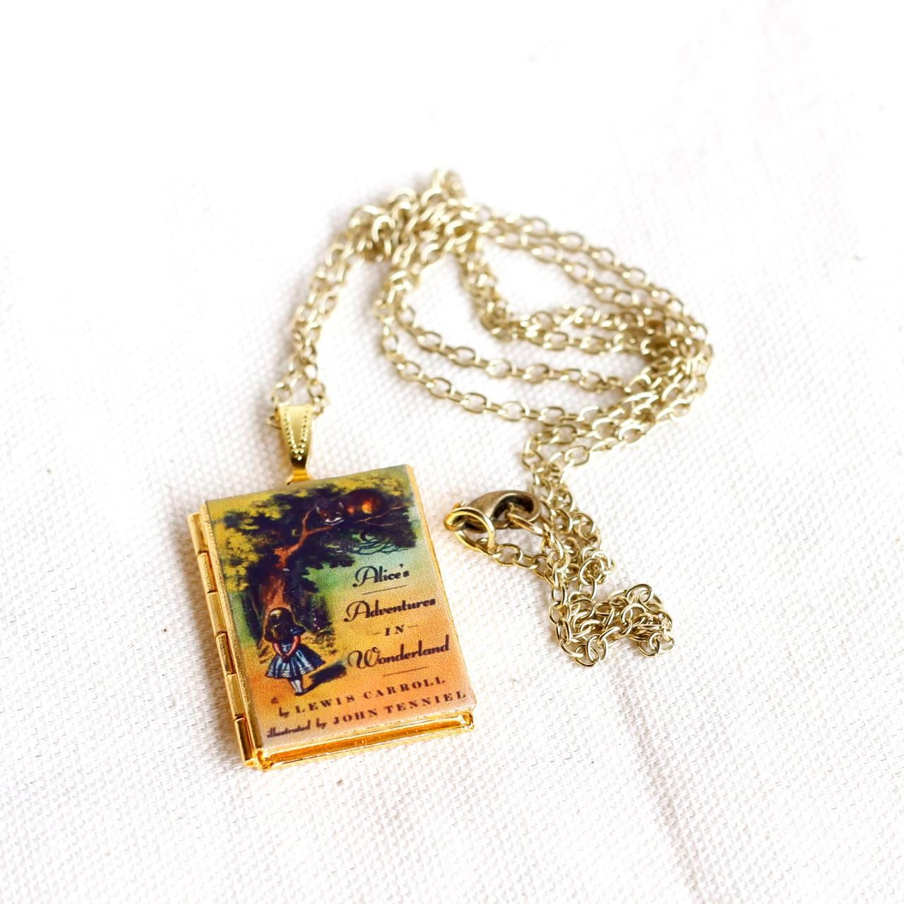 Alice Jewelry Alice In Wonderland Locket Photo Locket Locket Necklace