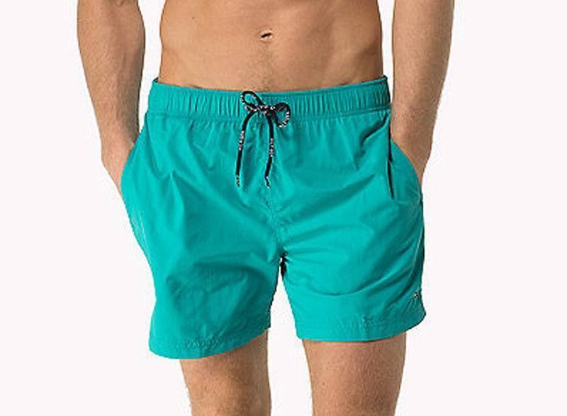 a14ad1a0794 Bañador Tommy Hilfiger liso en azul turquesa