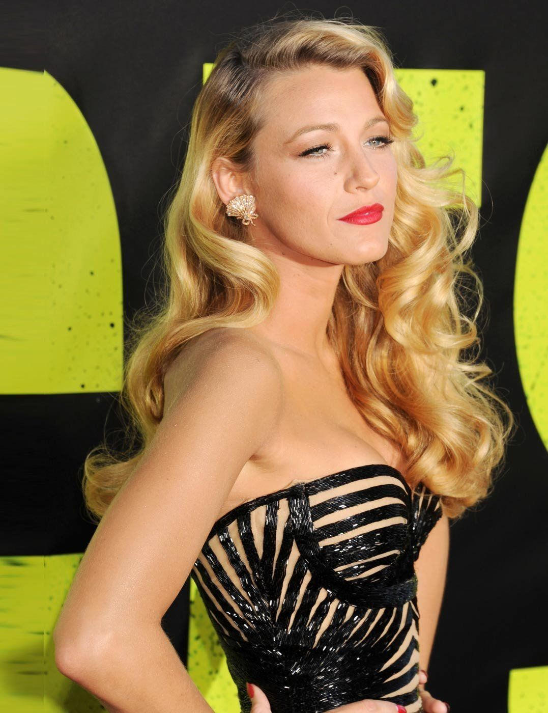 absolutely love me some blake! that dress + hair + makeup