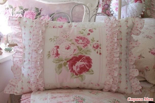 Винтажные подушки в интерьере