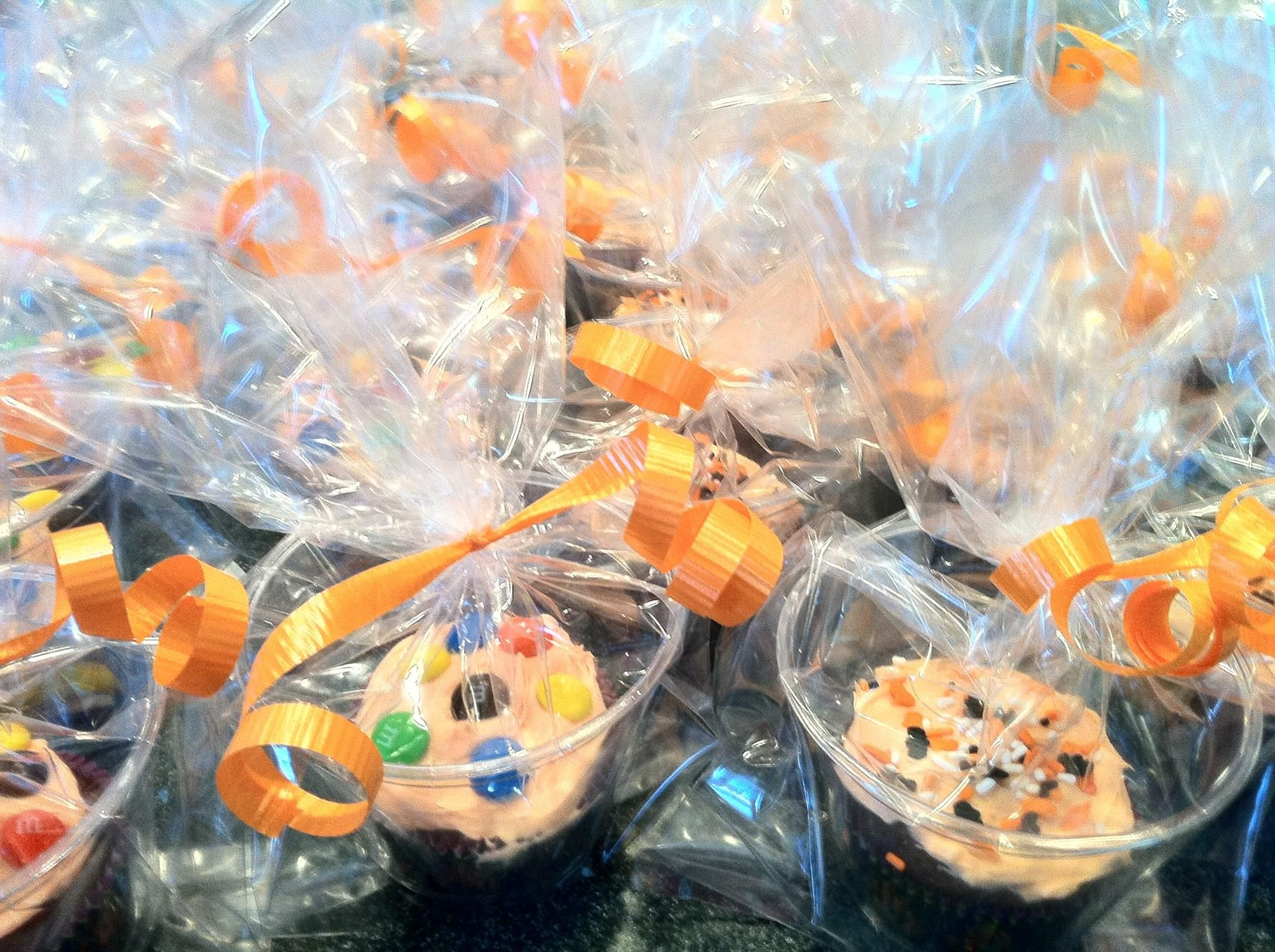 Great idea Individually wrapped cupcakes for the