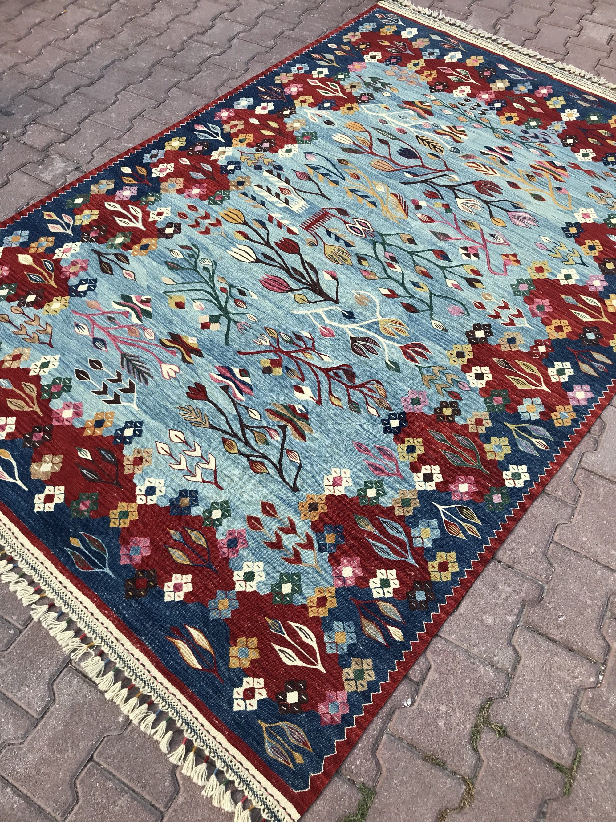 Excited To Share This Item From My Etsy Shop Vintage Rug 5 4 X 7 12 Turkish Kilim Rug