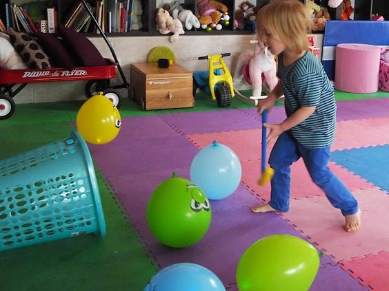 5 Fun Indoor Balloon Party Games Tablero Pared Ninos Pinterest
