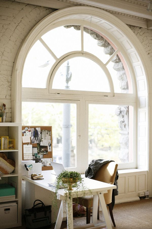 amazing arched window via Classy Woman Runde und halbrunde - home office mit dachfenster ideen bilder