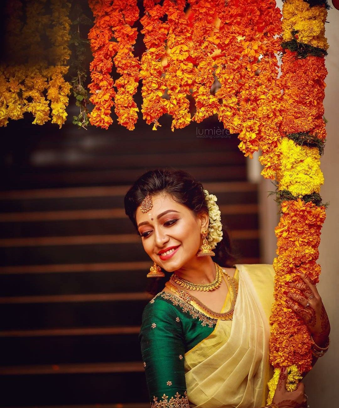 Sshivada In Kerala Saree In 2020 Kerala Saree Blouse Designs Set Saree Kerala Saree