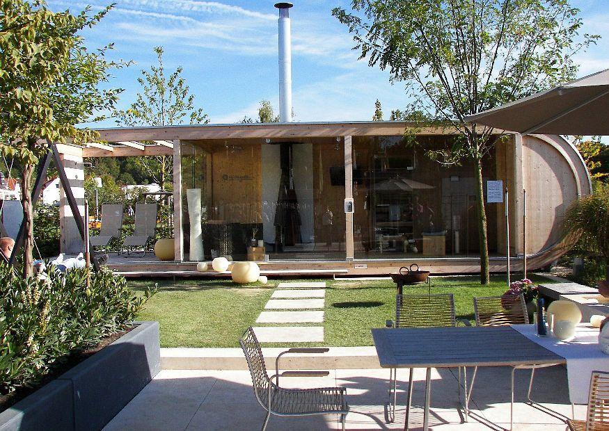 garten schau villingen schwenningen 201 modernes gartenhaus gartensauna und ueberdachte terrasse. Black Bedroom Furniture Sets. Home Design Ideas