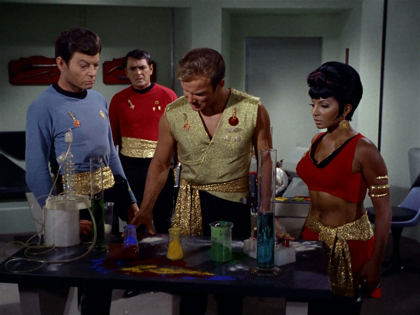 Mccoy scott kirk and uhura in the mirror verse star for Mirror janeway