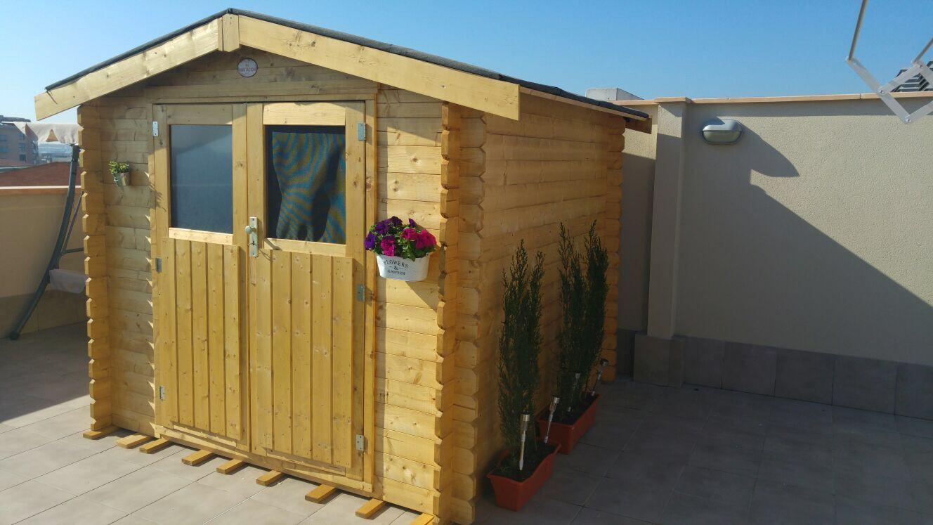 Cobertizo De Madera Instalado En Una Terraza Decoración Con