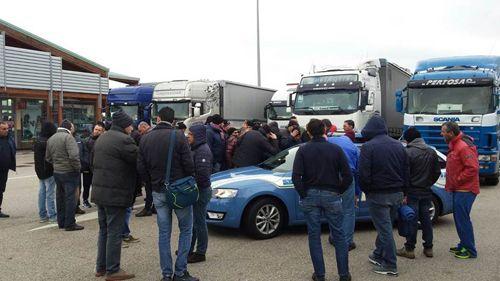 Puglia piano neve: eccessiva prudenza a rischio traffico e sicurezza