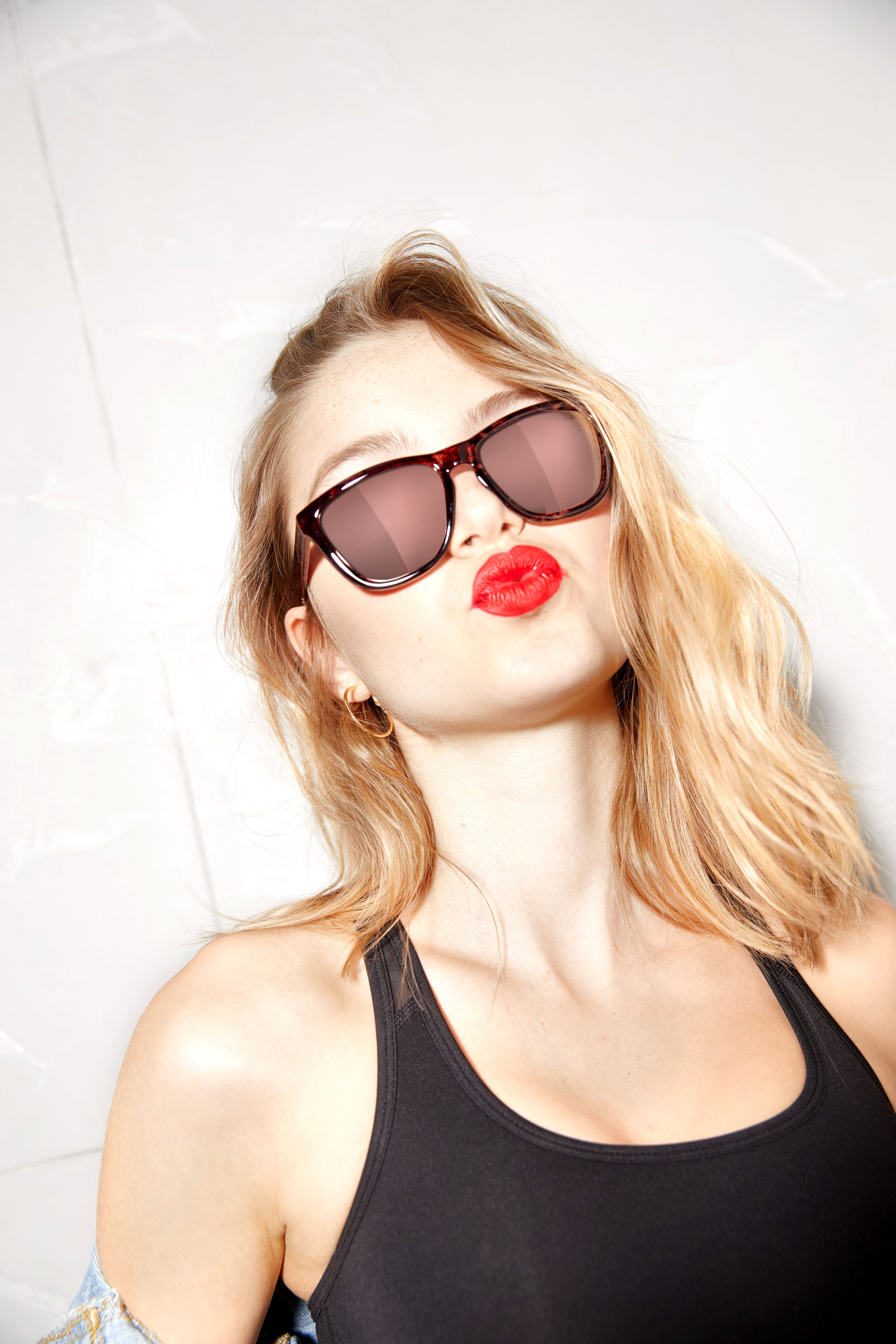 a3143e84fb CAREY ROSE GOLD ONE La colección One se define por sus modelos de gafas de  sol