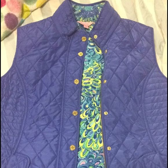 Brand new without tags Lilly Pulitzer vest size XL Worn in the house once but it's too small Lilly Pulitzer Jackets & Coats Vests