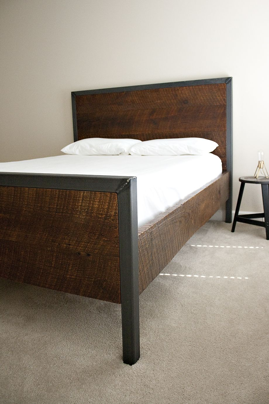 dylan_design_company_reclaimed_wood_bed3.jpg (920×1380) | make it ...