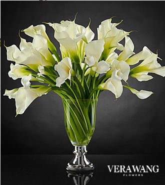 The Ftd Musings Luxury Calla Lily Bouquet By Vera Wang Vase Included Calla Lily Centerpieces Calla Lily Calla Lily Flowers