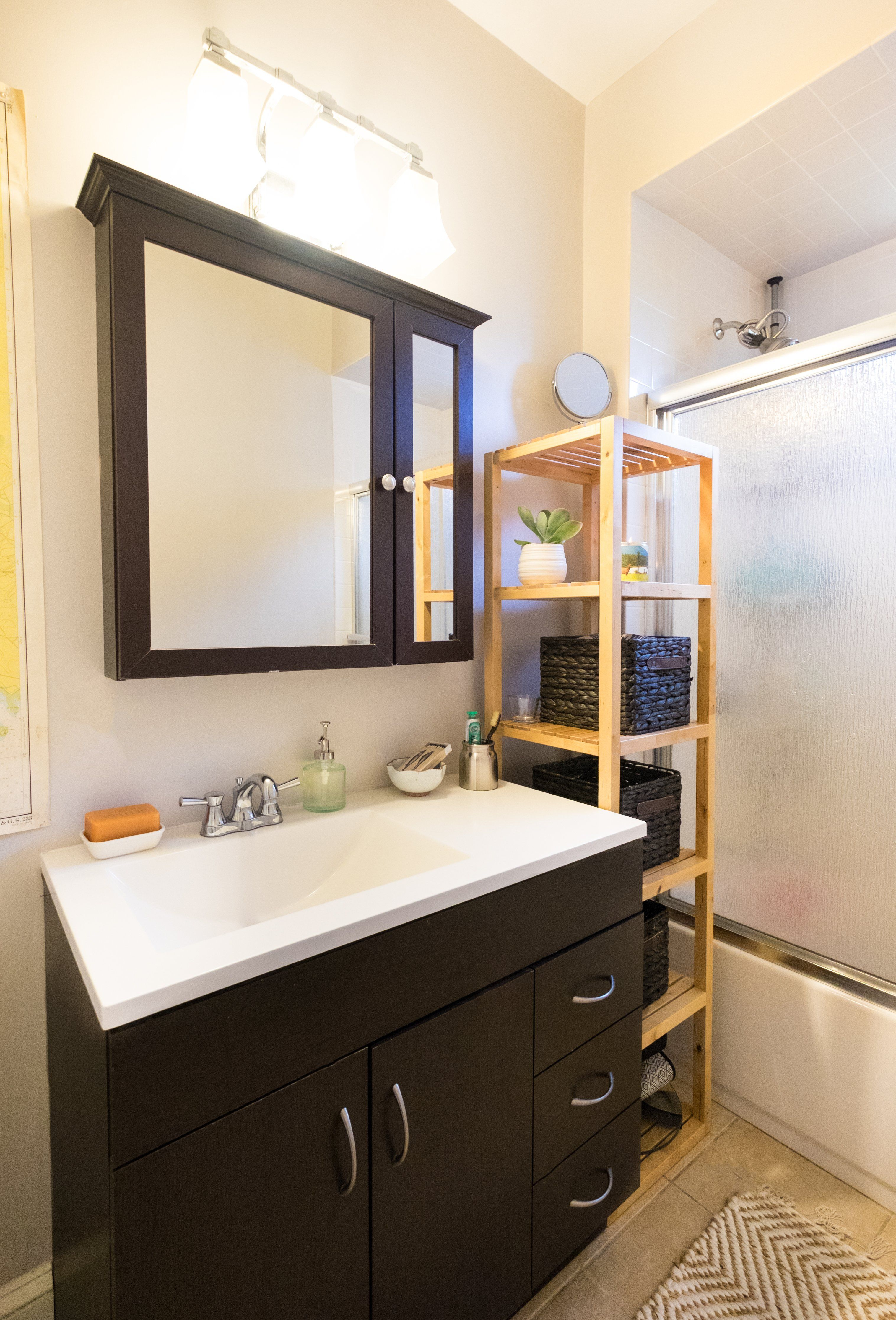Photo of Real Homes, Real Solutions: 20 Reversible Ideas to Overhaul Your Rental Bathroom NOW