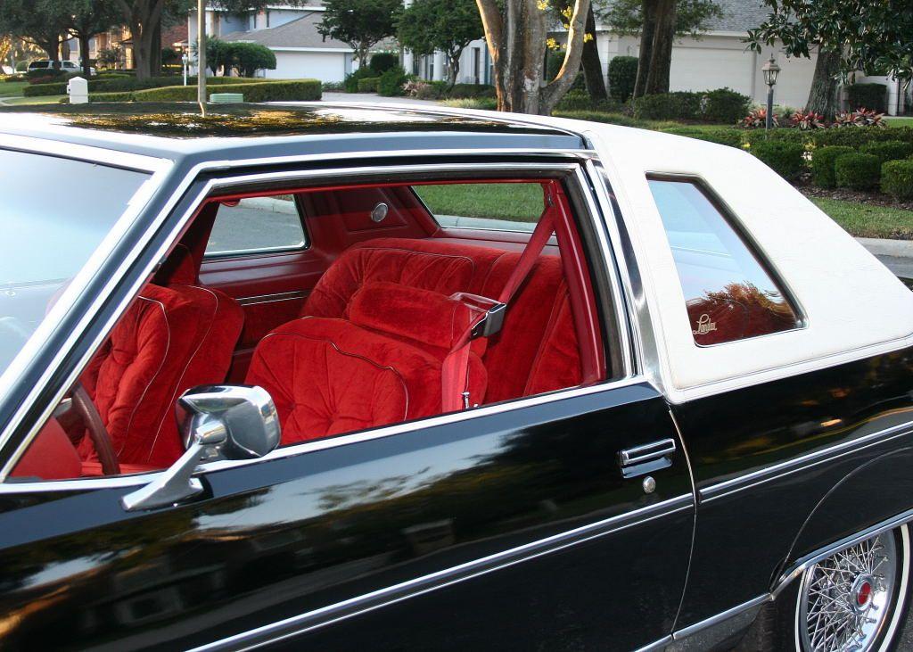 1978 Pontiac Bonneville 2 Door In Starlight Black With Red Velour Interior And White Vinyl Top Pontiac Bonneville Dream Cars Oldsmobile