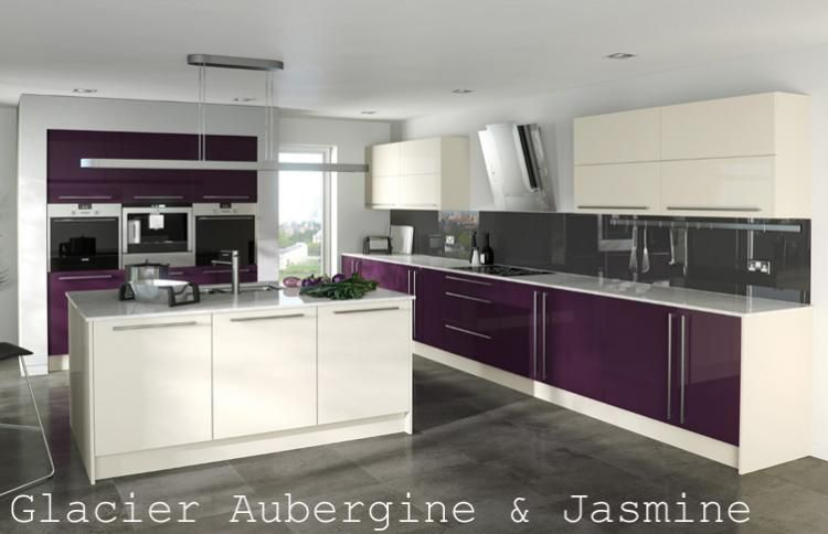 Acrylic high gloss kitchen in aubergine jasmine for Aubergine kitchen cabinets