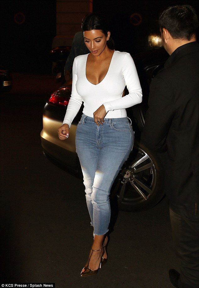 Kim Kardashian tucks into ICE CREAM before the wed