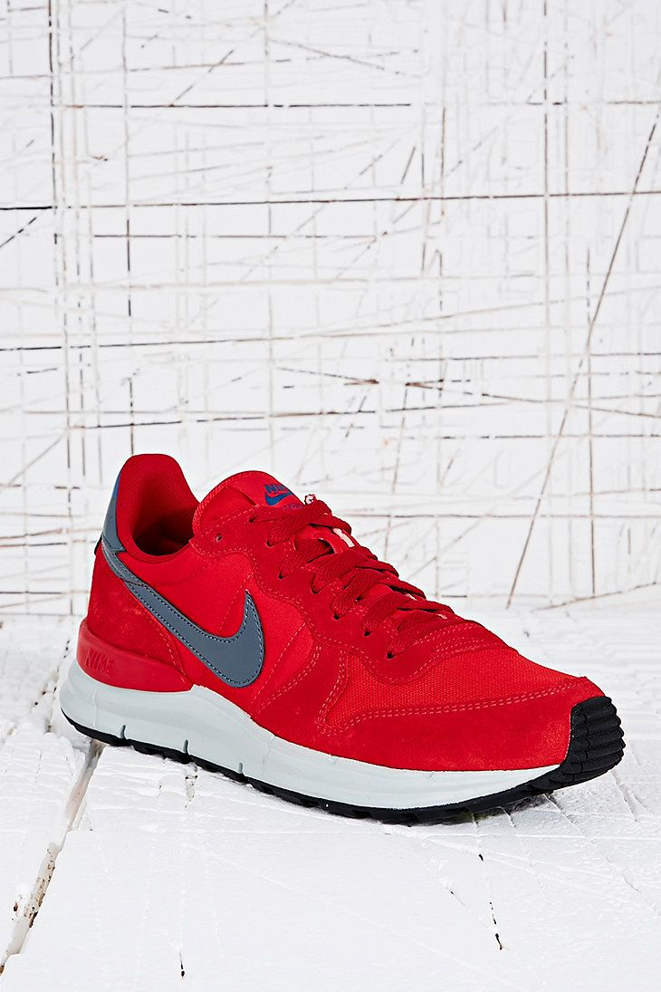 new arrival 80dce 04cb9 Nike Lunar International Trainers in Red