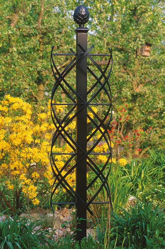 Metal garden obelisk Garden obelisk, Obelisk trellis