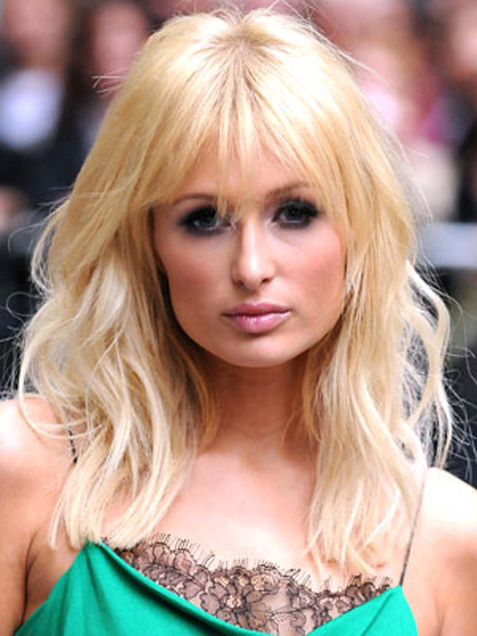 Paris Hilton Shoulder Length Hairstyle With Wispy Bangs Http