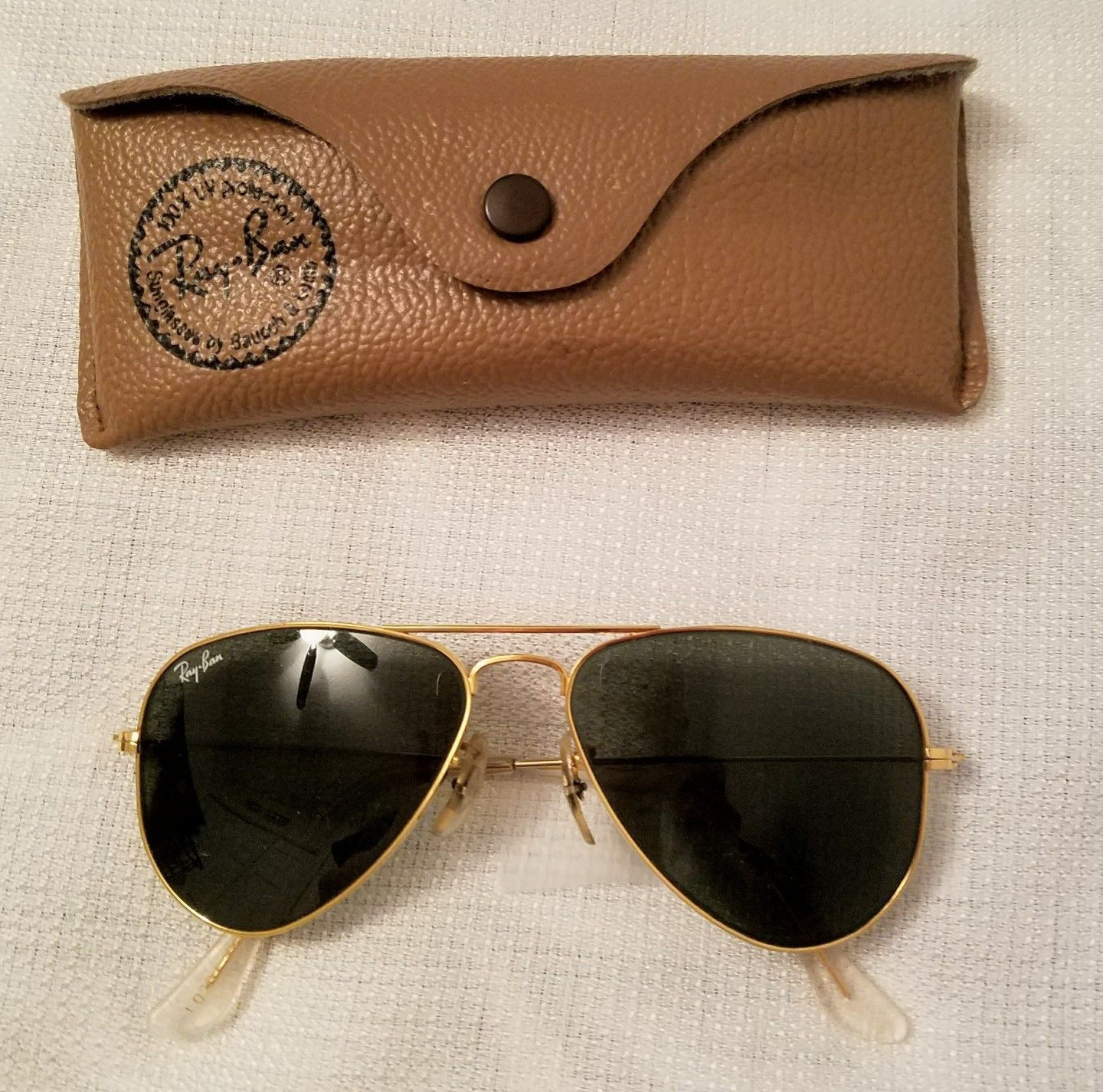 Vintage RAY-BAN Aviator Sunglasses & Case - Gold Frame/Green Glass ...