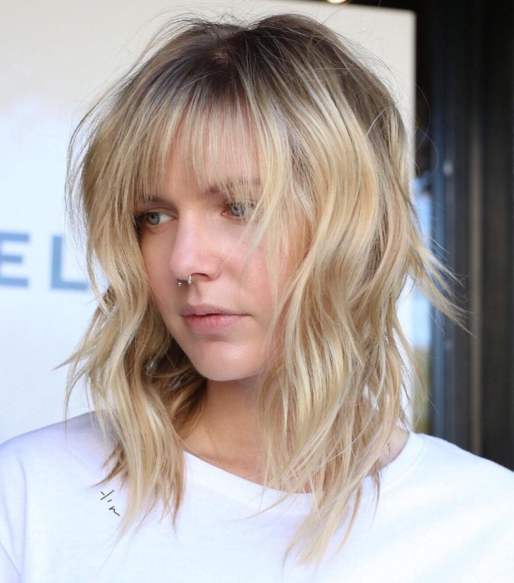 Die Moderne Shag Frisur Mit Curtain Bangs Erobert 2019 Die