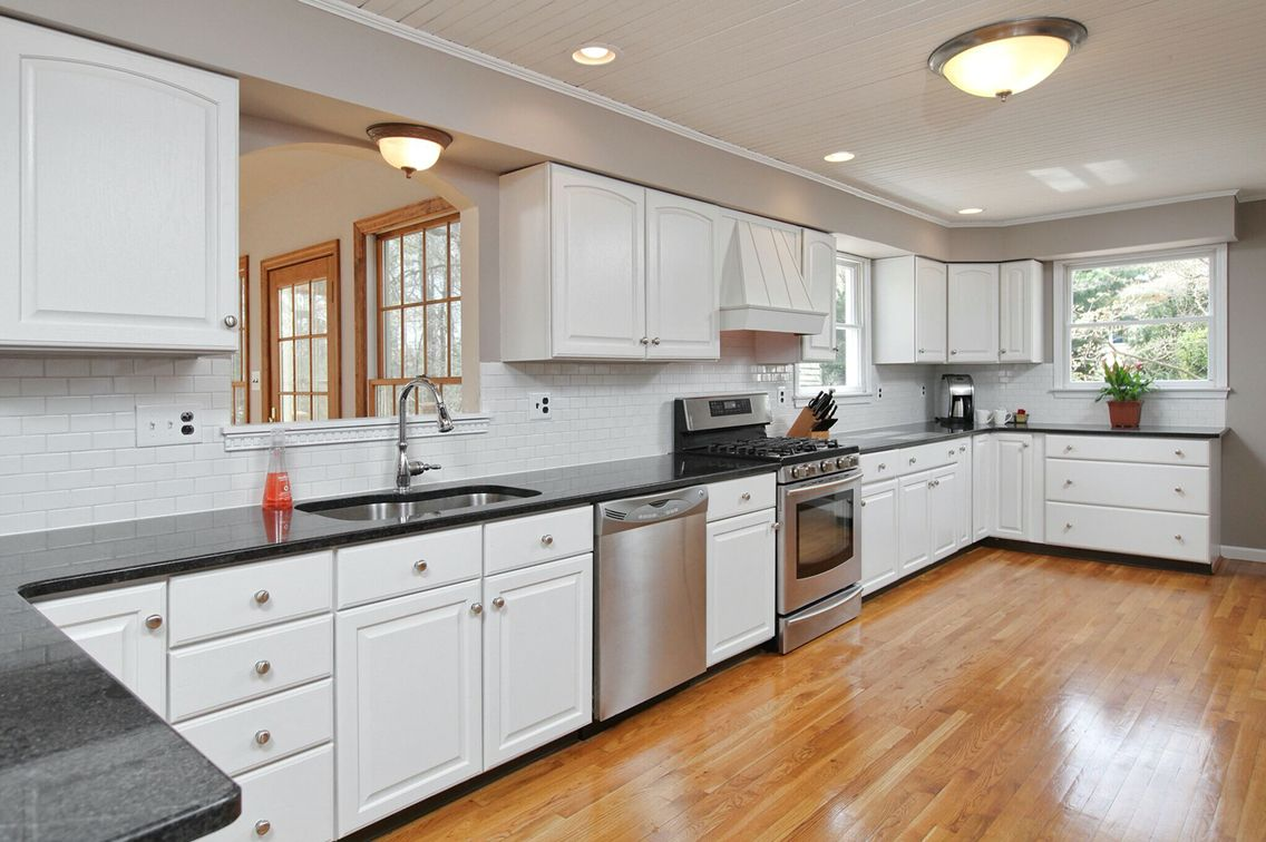 Fresh update in this beautiful kitchen with ample counter space! 143 Ewan Rd #mullicahill