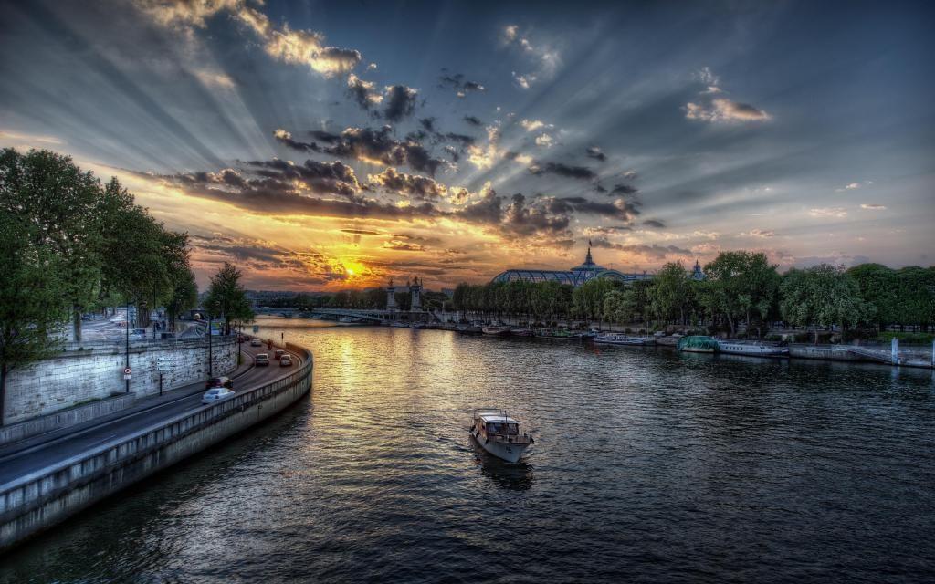pôr do sol em paris