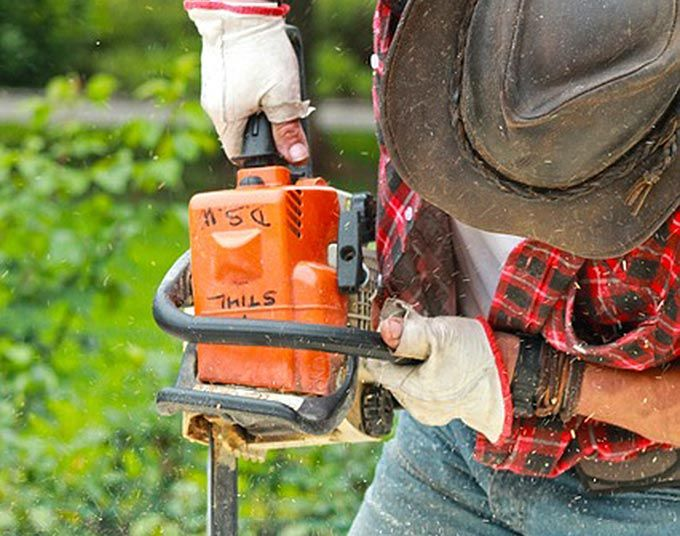 Doing some #DIY? Make sure you choose the right #workwear for the job. http://www.maxviral.com/lifestyle/choose-diy-workwear/