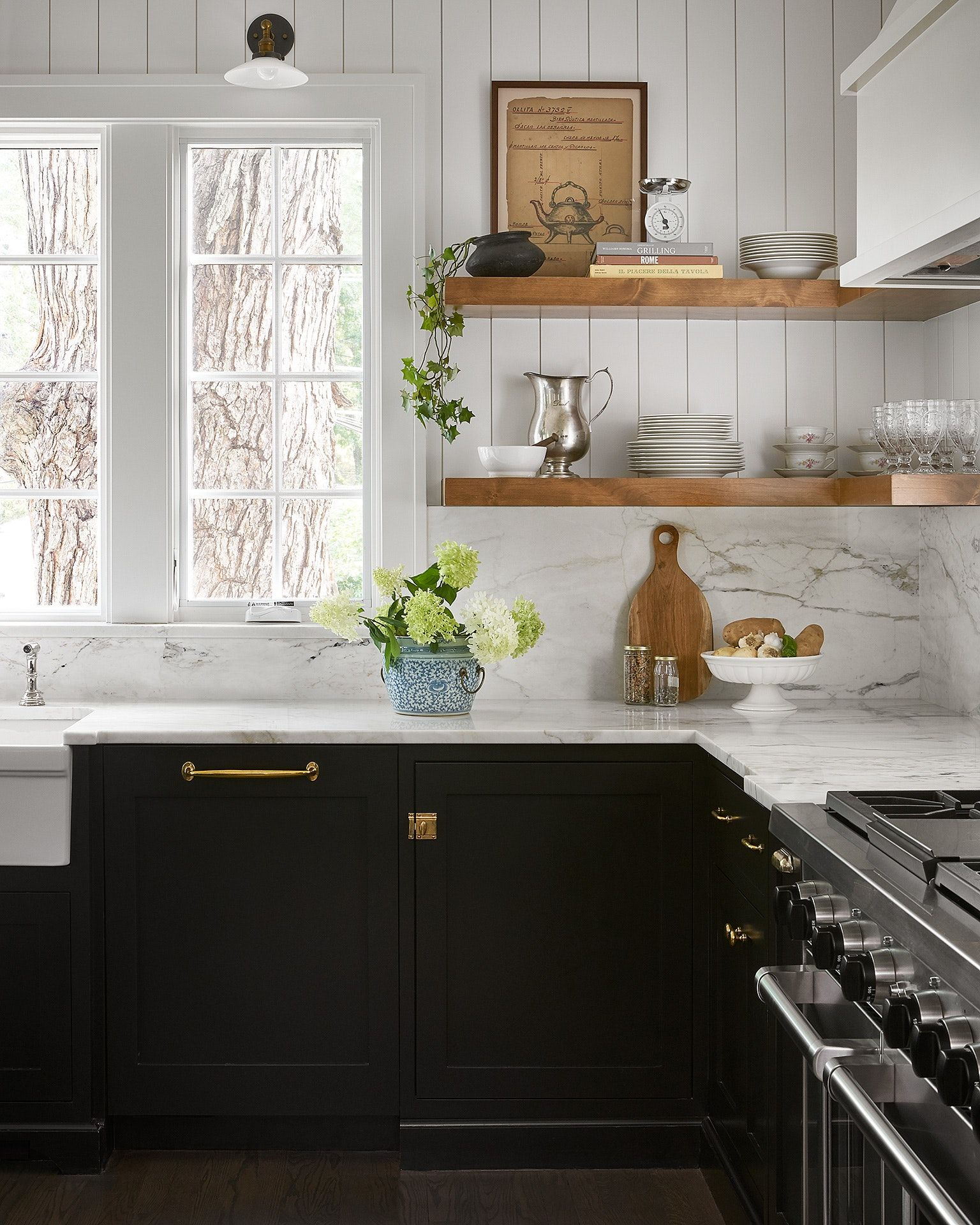 English Cottage Black And White Kitchen Kitchen Redesign English Cottage Kitchens English Cottage