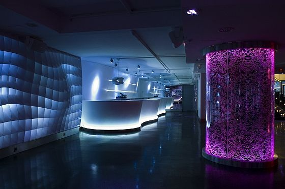 Designed By Thomas Alia, One Of Famous Creators Of Trends In Spain The  Reina Bruja U2013 Nightclub Interior Was Designing In Abundant Lights.