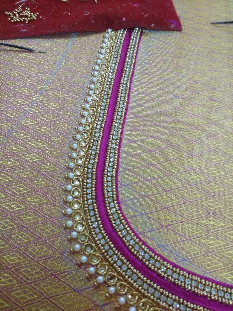 96ae02e438eef3 Saved by Himabindu Simple Blouse Designs, Bridal Blouse Designs, Blouse  Back Neck Designs,