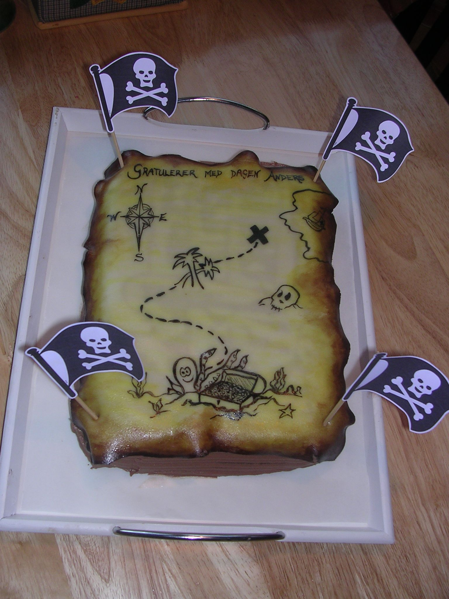 Treasure Map Cake I Used A Sheet Of Marzipan And Painted