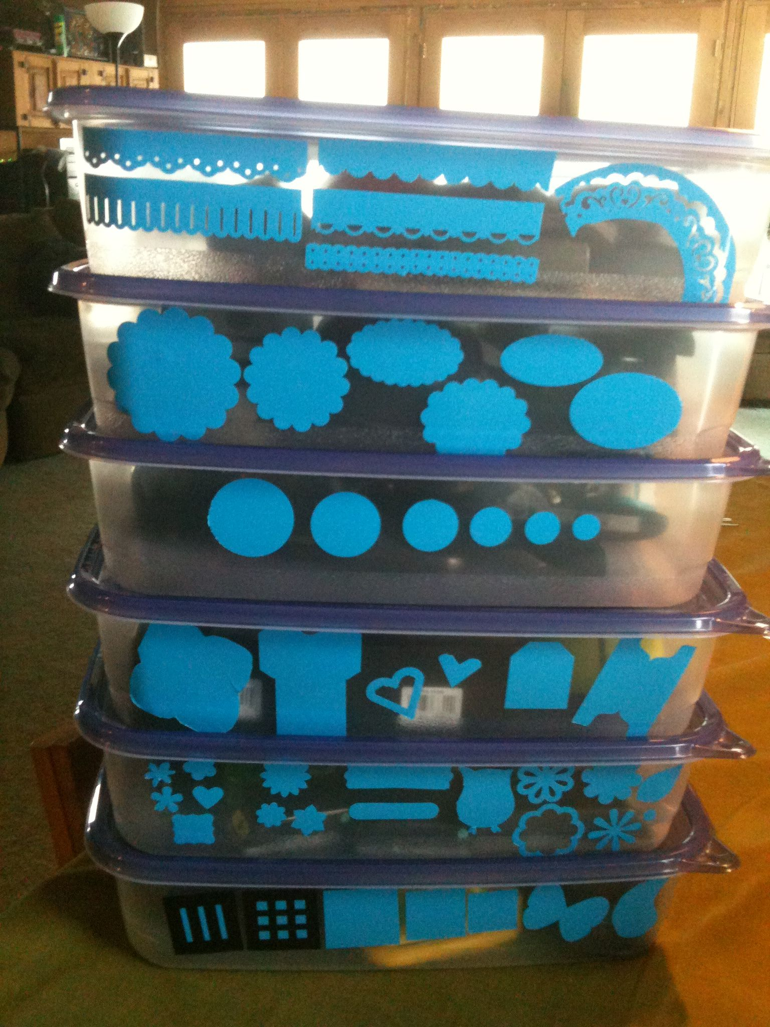 Quelques id es cr atives paper punch storage paper for Craft punch storage ideas