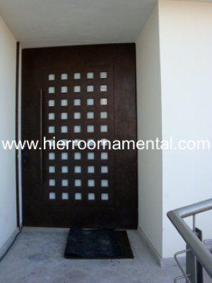 puerta principal con cuadros detalle producto