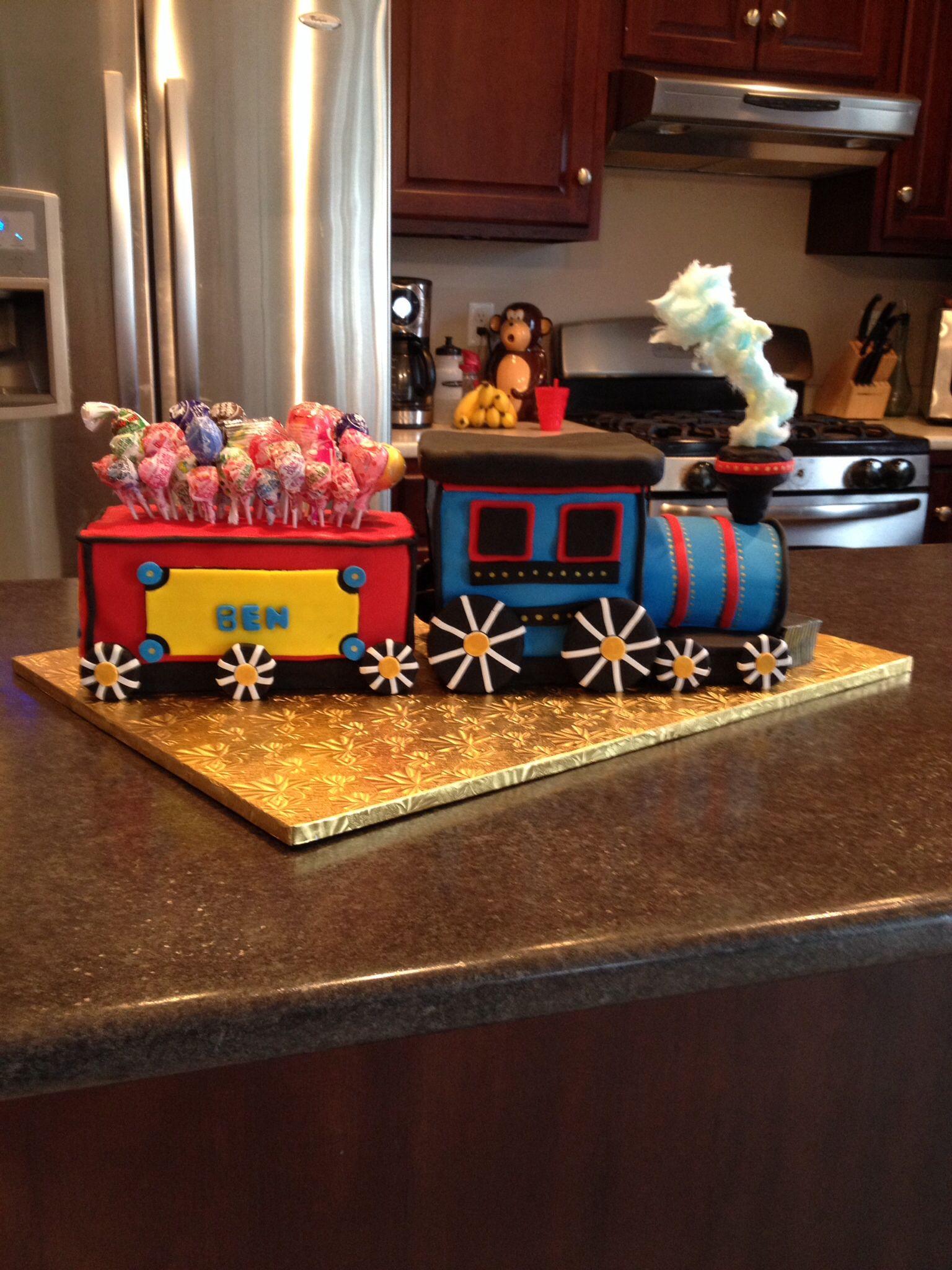 Choo choo train cake! Cotton candy for steam! | Train cake ...