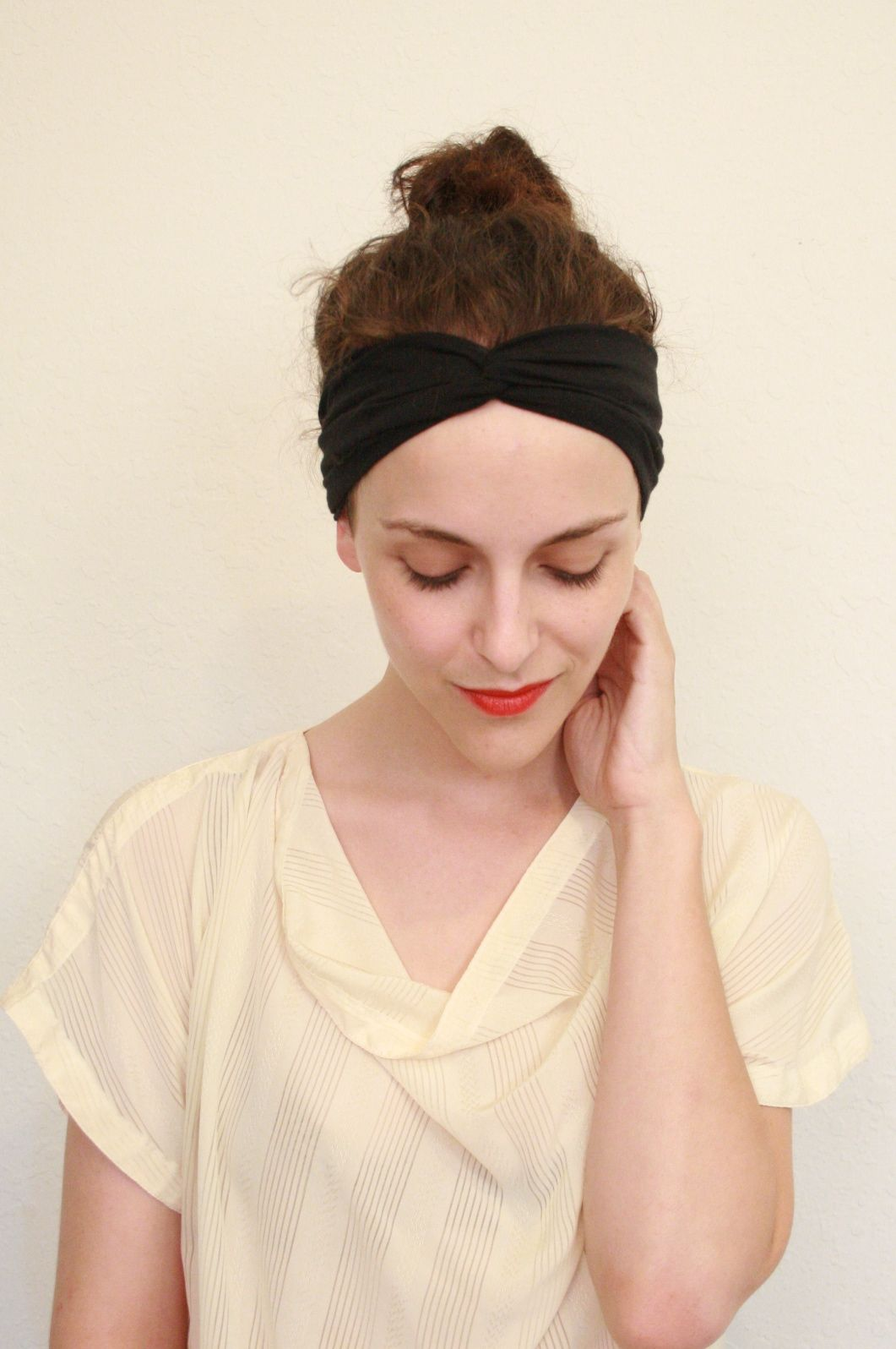 Twitch vintage turban headband tutorial made from elastic twitch vintage turban headband tutorial made from elastic headbands baditri Images