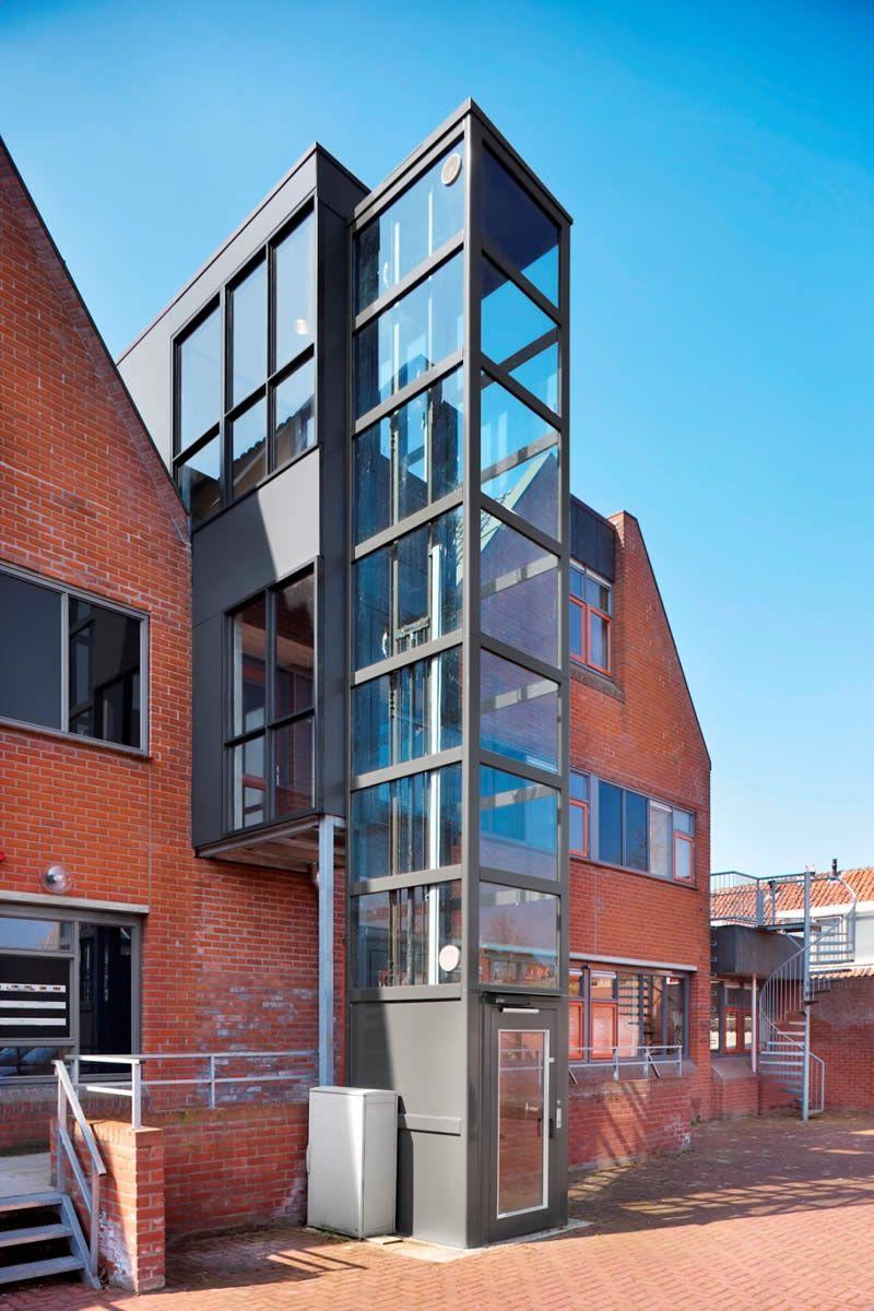 Elevador dom stico para una vivienda mejor aprovechada for Escaleras para caminar fuera del jardin