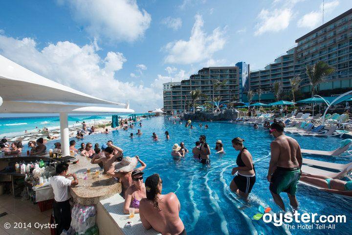Cancun Spring Break 9 Amazing Cancun Party Hotels Oyster Com Cancun Hotels Cancun Resorts Cancun Spring Break