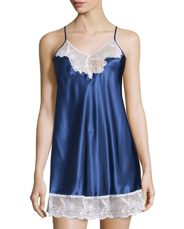Prism Pretty Nightie W/Lace, Dark Blue, Women's, Size: M - Oscar de la Renta Pink Label