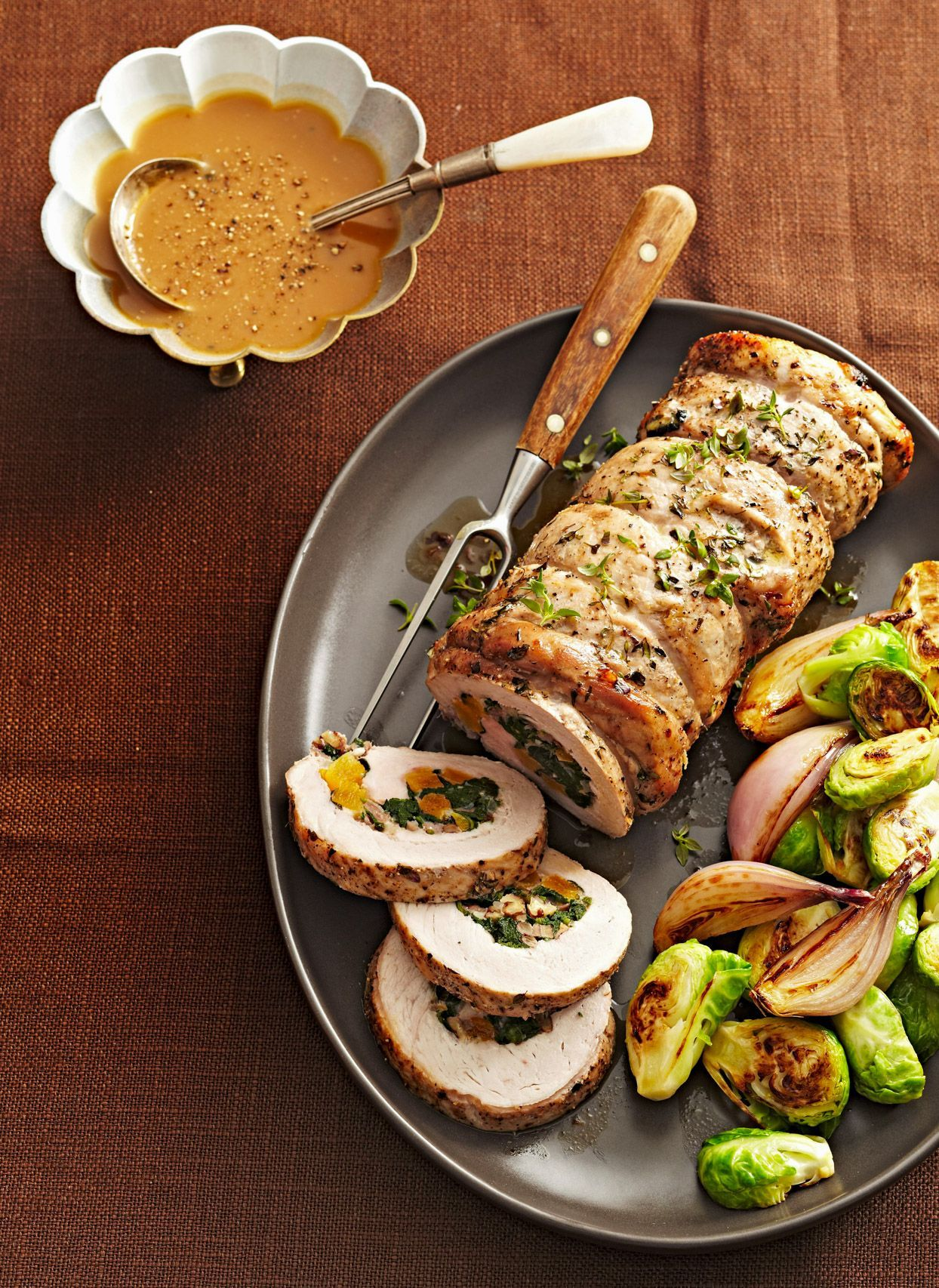 These 16 Christmas Dinner Menu Ideas Are The Ultimate Gift To Share This Holiday Season In 2020 Christmas Dinner Menu Easy Christmas Dinner Traditional Christmas Dinner Menu