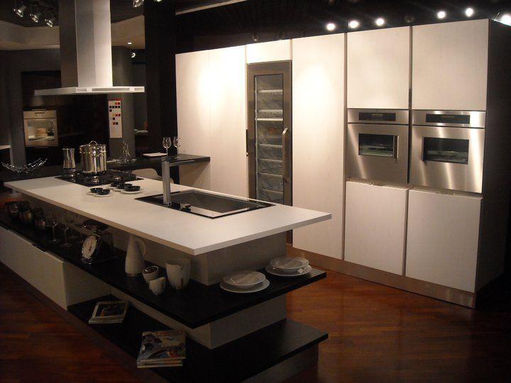 Cucina con isola Veneta Cucine Tulipano a Monza e Brianza | New ...