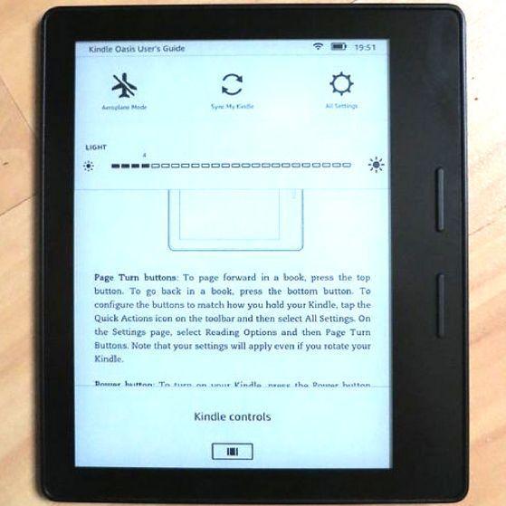 Kindle Vs Kindle Paperwhite Vs Kindle Voyage Which E Reader