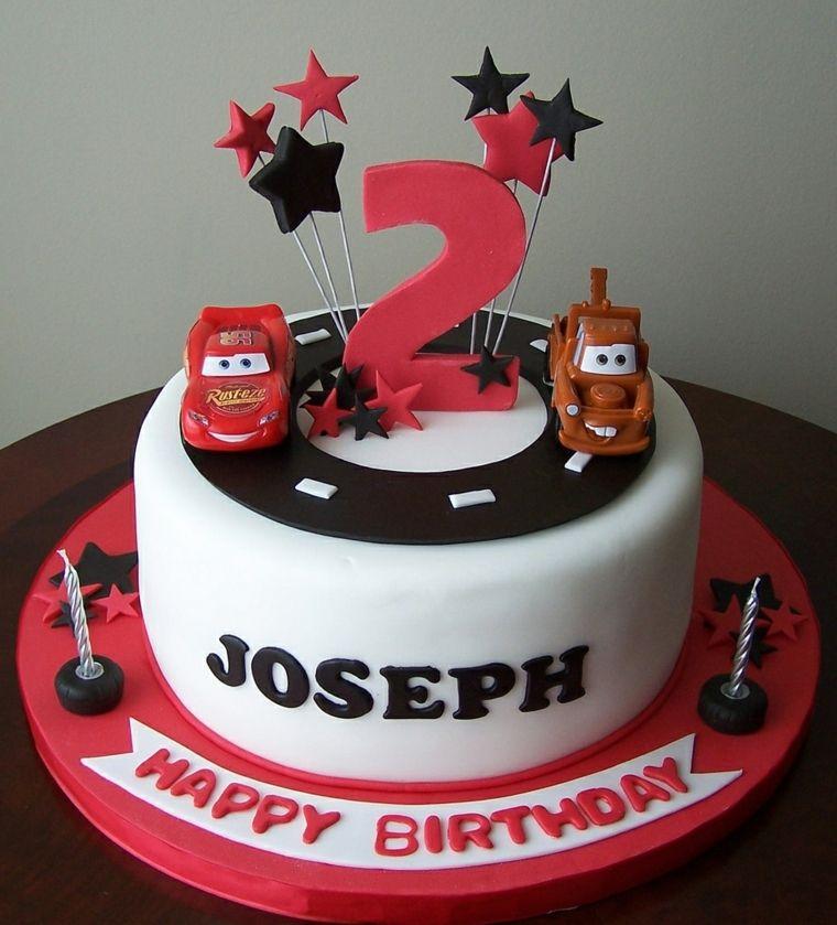 Torte di compleanno per bambini idea decorazione con i personaggi