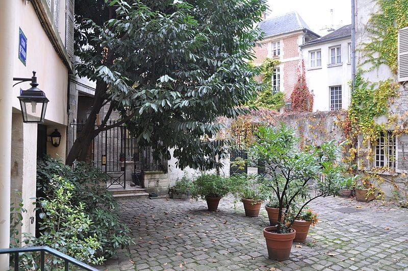 Paris 6e - Cour de Rohan -  close to Cour du Commerce Saint-André
