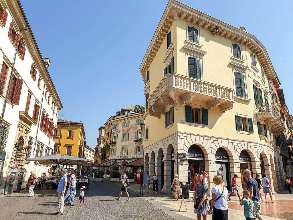 Verona Die Besten Sehenswurdigkeiten Und Ein Opernbesuch Verona Urlaub In Deutschland Etsch