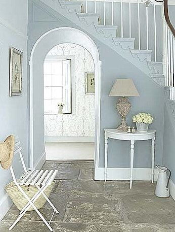 Pretty entryway....light blue + white + hydrangea