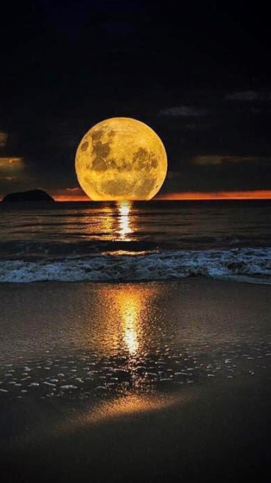 The Full Moon And Sea