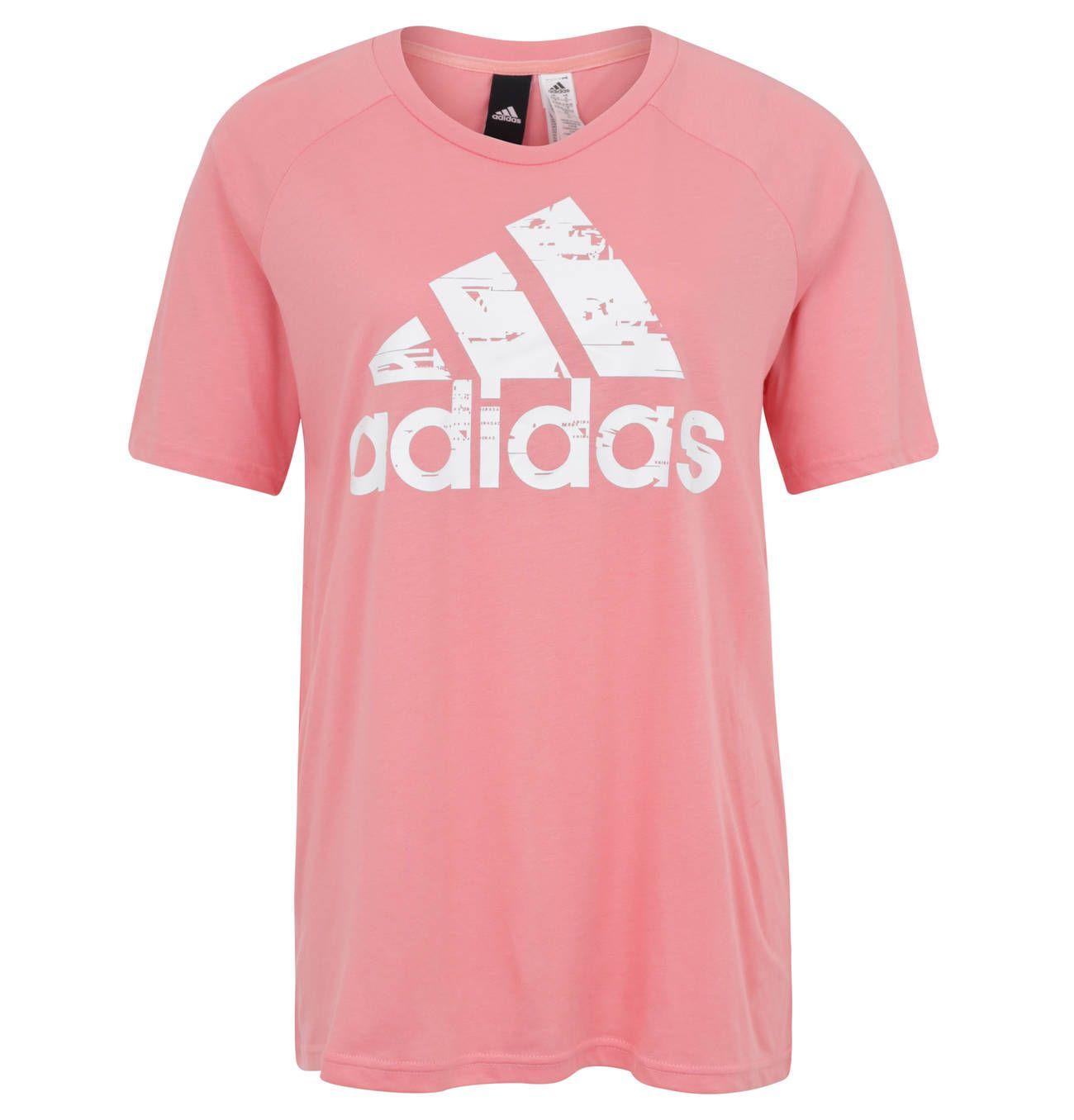 5cd737550aa55 Bei diesem Adidas T-Shirt bekommt man doch direkt gute Laune und Lust auf  Sport! ⚽  galeriakaufhof  adidas  sport  tshirt