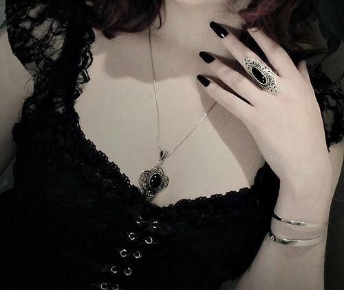 black, dark, and pale imageの画像
